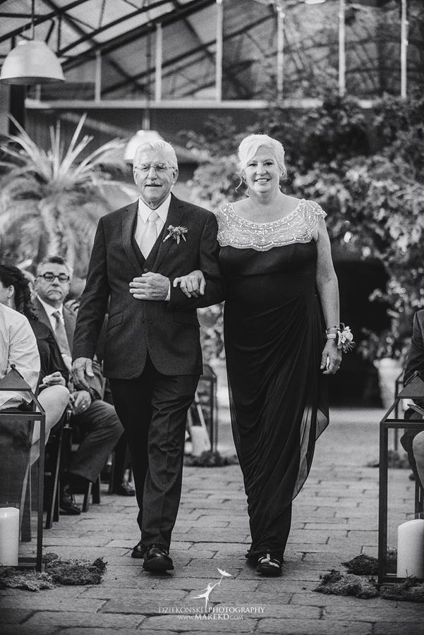 deana-steve-wedding-ceremony-reception-planterra-fall-michigan-west-bloomfield-weather-ideas-greenhouse-botanical-gardens-decor-design-pictures-ideas40