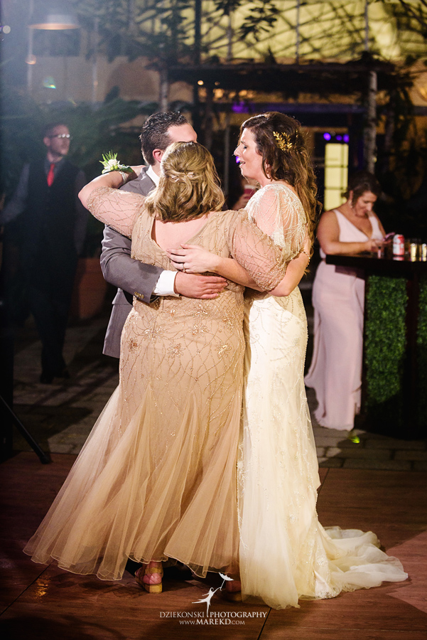 deana-steve-wedding-ceremony-reception-planterra-fall-michigan-west-bloomfield-weather-ideas-greenhouse-botanical-gardens-decor-design-pictures-ideas78