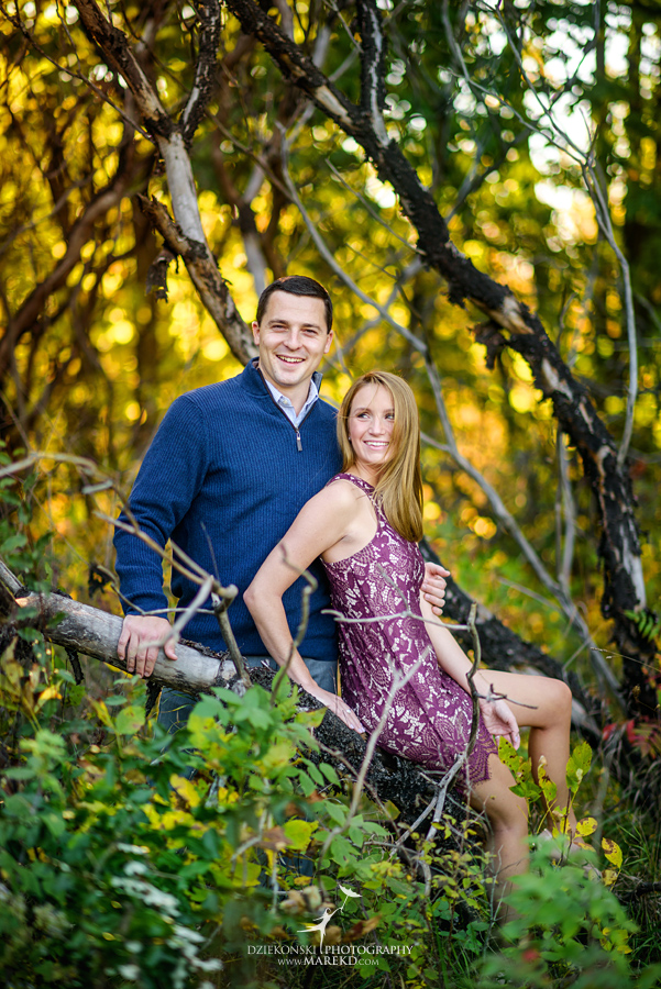 kallie-scott-engagement-session-fall-michigan-clarkston-park-independence-oaks-ideas-dress-leaves01