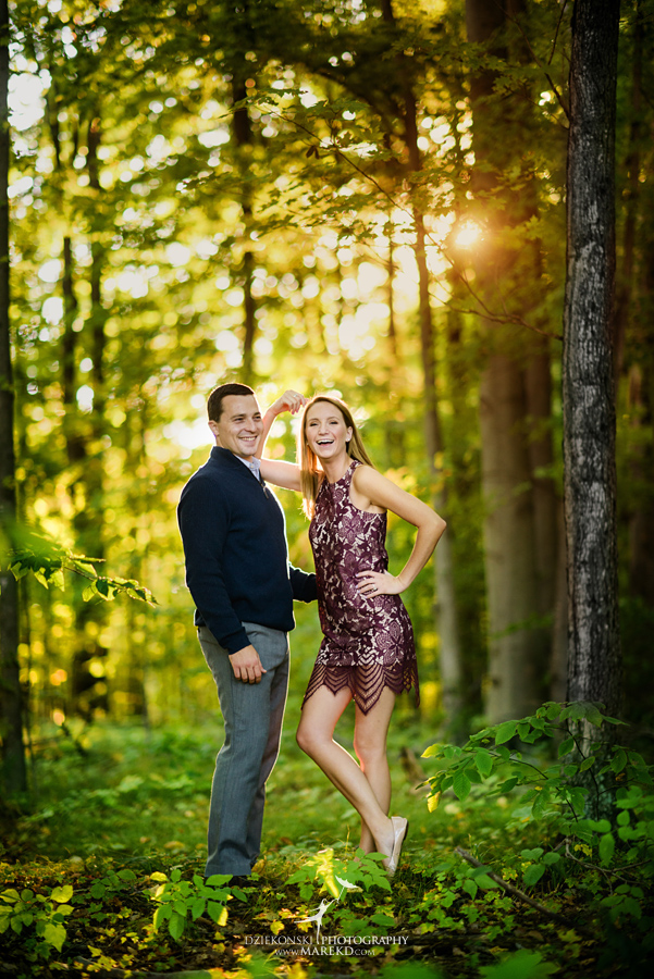 kallie-scott-engagement-session-fall-michigan-clarkston-park-independence-oaks-ideas-dress-leaves12