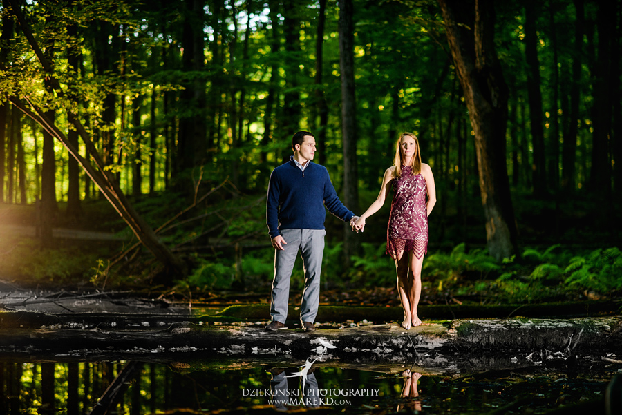 kallie-scott-engagement-session-fall-michigan-clarkston-park-independence-oaks-ideas-dress-leaves15