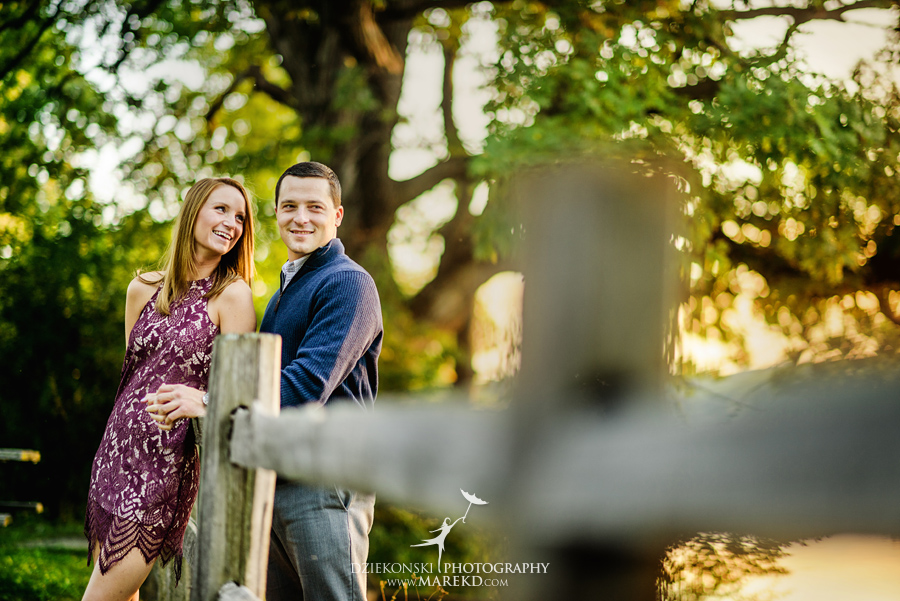 kallie-scott-engagement-session-fall-michigan-clarkston-park-independence-oaks-ideas-dress-leaves17