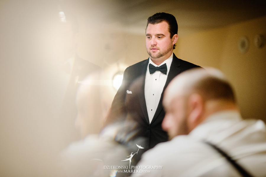 sarah-ryan-wedding-ceremony-reception-cathedral-most-blessed-sacrament-atheneum-suite-hotel-downtown-detroit-michigan-photographer-pictures-fall-train-station015