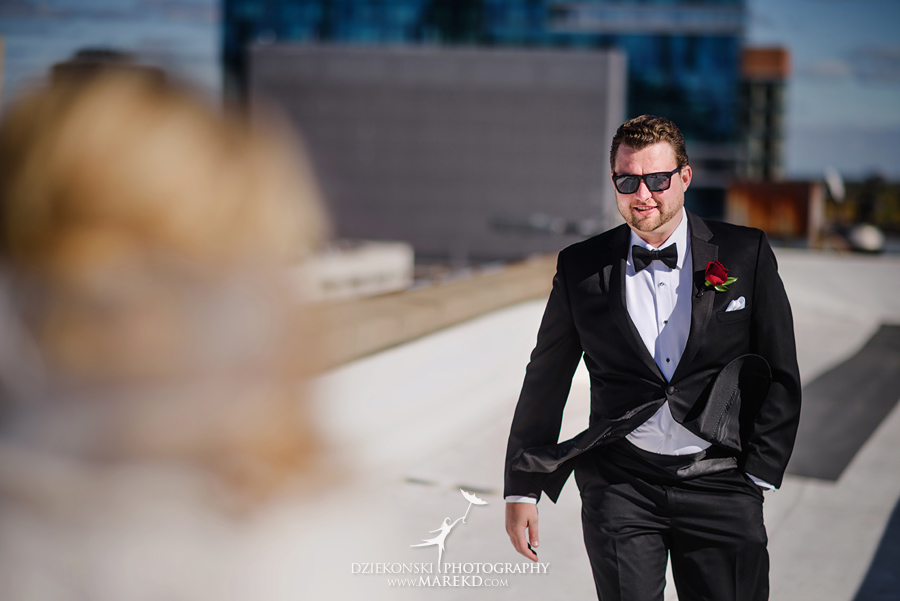 sarah-ryan-wedding-ceremony-reception-cathedral-most-blessed-sacrament-atheneum-suite-hotel-downtown-detroit-michigan-photographer-pictures-fall-train-station019