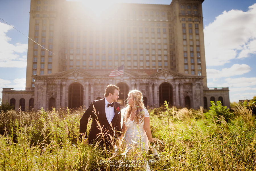 sarah-ryan-wedding-ceremony-reception-cathedral-most-blessed-sacrament-atheneum-suite-hotel-downtown-detroit-michigan-photographer-pictures-fall-train-station036