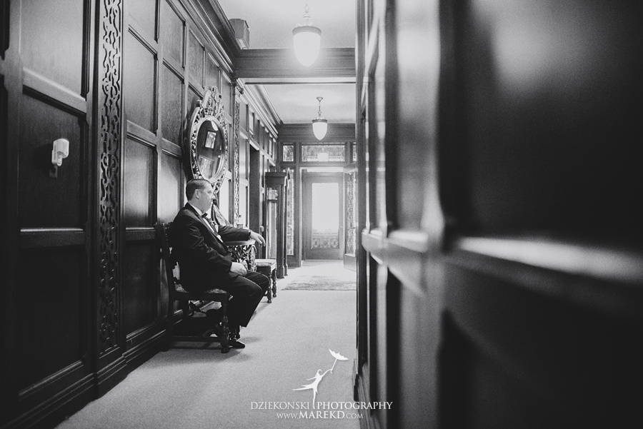sarah-ryan-wedding-ceremony-reception-cathedral-most-blessed-sacrament-atheneum-suite-hotel-downtown-detroit-michigan-photographer-pictures-fall-train-station047