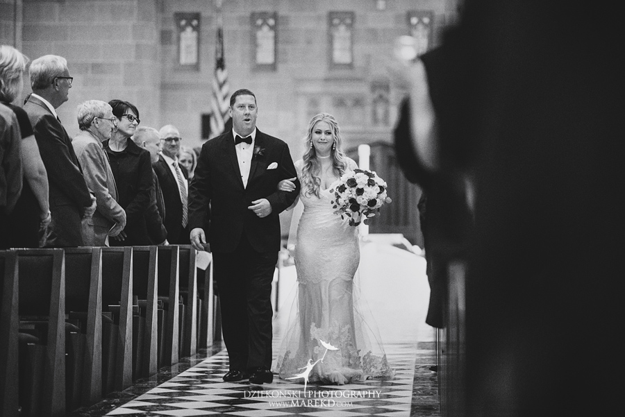 sarah-ryan-wedding-ceremony-reception-cathedral-most-blessed-sacrament-atheneum-suite-hotel-downtown-detroit-michigan-photographer-pictures-fall-train-station050