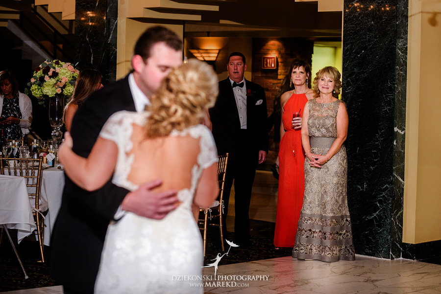 sarah-ryan-wedding-ceremony-reception-cathedral-most-blessed-sacrament-atheneum-suite-hotel-downtown-detroit-michigan-photographer-pictures-fall-train-station086