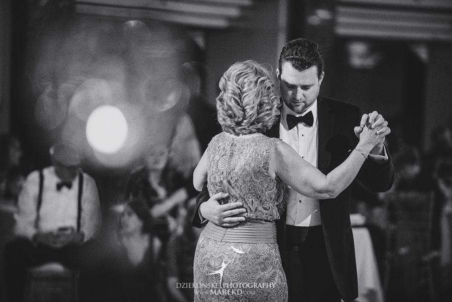 sarah-ryan-wedding-ceremony-reception-cathedral-most-blessed-sacrament-atheneum-suite-hotel-downtown-detroit-michigan-photographer-pictures-fall-train-station090