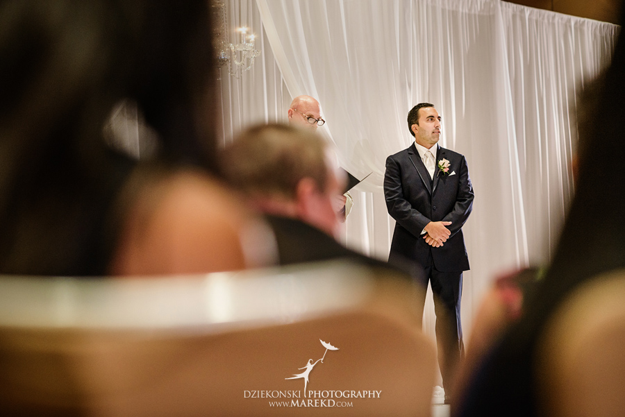 Jessica Raj mgm grand detroit wedding ceremony reception decor ideas photographer michigan pictures downtown053 - Jessica and Raj