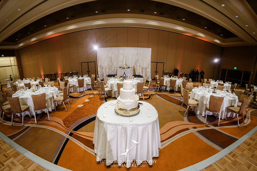 Jessica Raj mgm grand detroit wedding ceremony reception decor ideas photographer michigan pictures downtown070 - Jessica and Raj