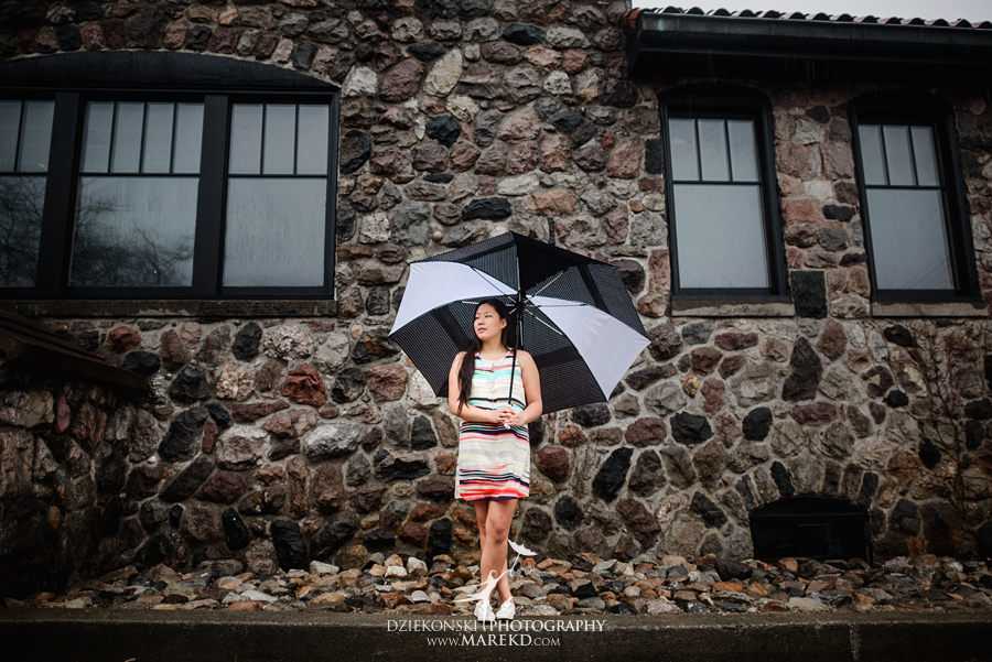 clare senior pictures clarkston michigan city town ideas rain umbrella puddle outdoor07 - Clare